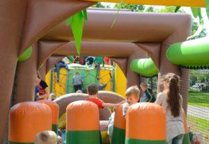 Foto van de Jungle Stormbaan op Kinderfestival Wageningen